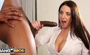 Porno interracial HD negão comendo branquinha peituda pelo cu