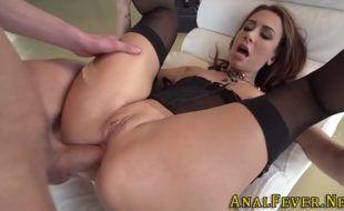 Vidios de porno anal com gostosa cuzuda fodendo no pau grosso
